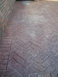 pressure cleaning surrey, driveway cleaning berkshire image